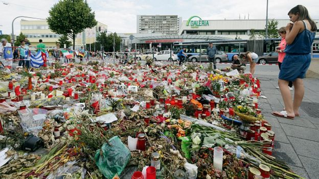 Мемориал в память о жертвах теракта в Мюнхене