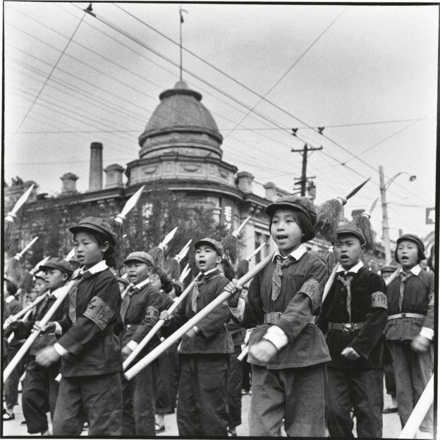 文革期間的小紅衛兵。他們被稱為「紅小兵」。
