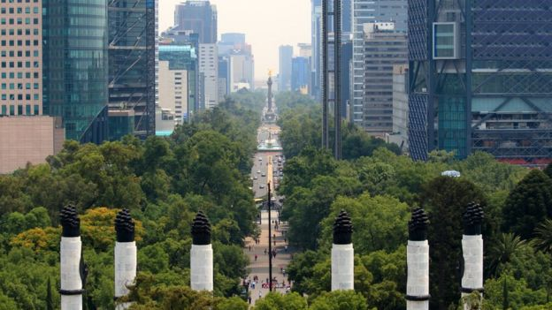 Una vista del Paseo de la Reforma