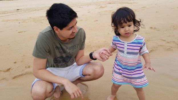 Mohamed Rahim và bé Maryam