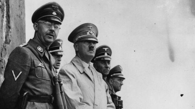 Himmler ao lado do líder nazista, Adolf Hitler
