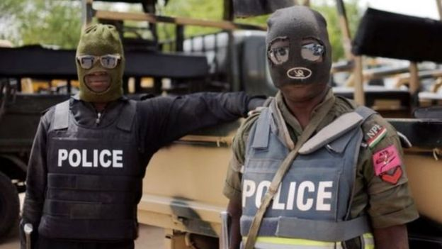 Police don gbab two men wey tiff deadi bodi from mortuary