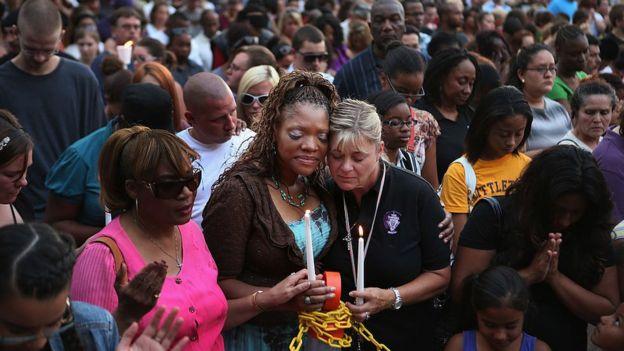 Pese a la conmoción que causan los tiroteos masivos, en los últimos años no se han logrado importantes cambios legislativos para responder ante estos sucesos.