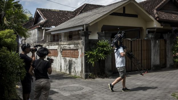 Media are seen outside the villa where Schapelle Corby is living on 25 May 25 2017 in Bali, Indonesia