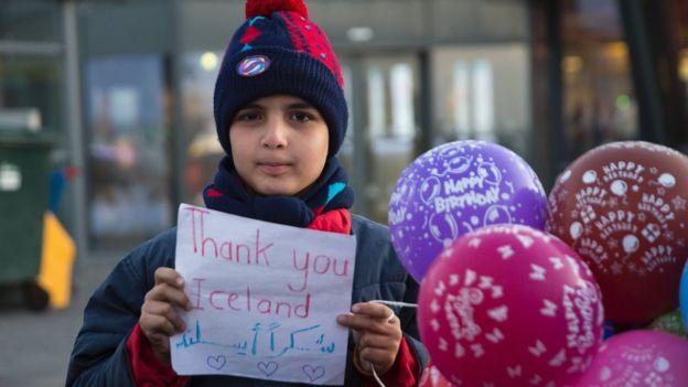 Menino sírio refugiado em Islândia
