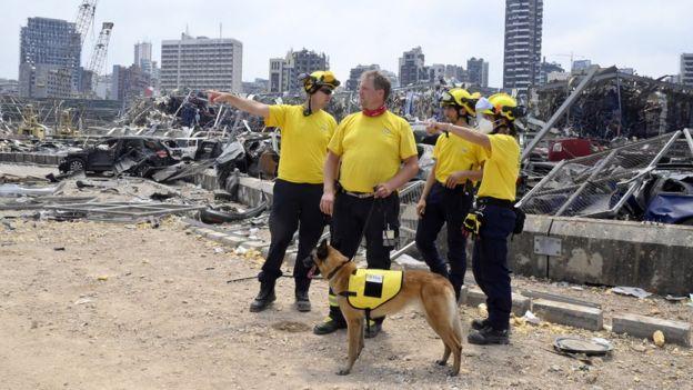Спасатели в Бейруте