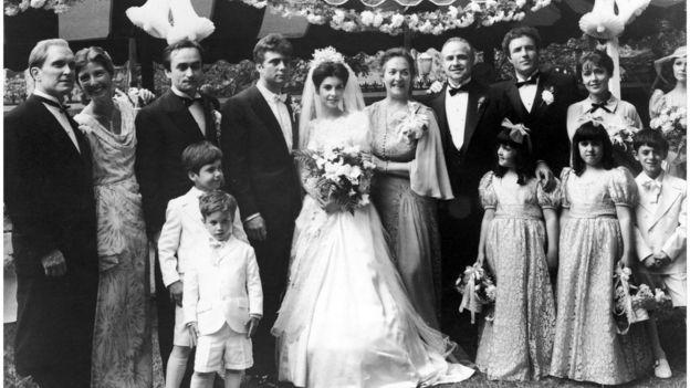 """Cảnh đám cưới trong phim của đạo diễn F.F. Coppola dựa trên tiểu thuyết """"Bố già"""" của Mario Puzo"""
