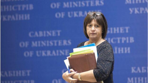 Реструктуризація зовнішніх боргів, проведена у 2015 міністром фінансів Наталією Яресько дозволила Україні уникнути дефолту, проте потягла нові зобов'язання перед кредиторами