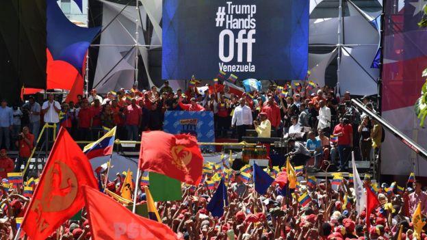 Manifestação a favor de Nicolás Maduro