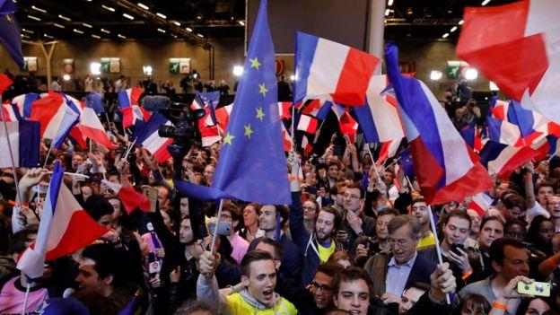 Seguidores de Macron celebrando