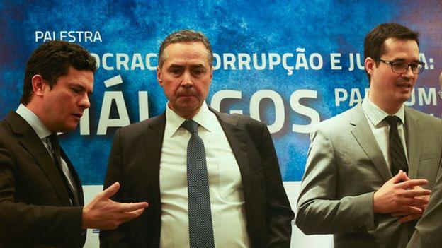O juiz federal Sérgio Moro, o ministro do STF, Luís Roberto Barroso, e o procurador Deltan Dallagnol, participam da palestra Democracia, Corrupção e Justiça, no UniCEUB