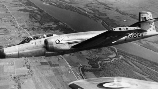 """اكتسب مصمم """"افرو"""" خبرة كبيرة من تصنيع الطائرة """"سي إف- 100"""" ساعدته في تصنيع طائرة نفاثة فائقة الأداء"""