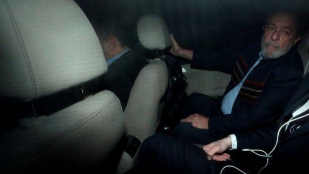 Lula no carro