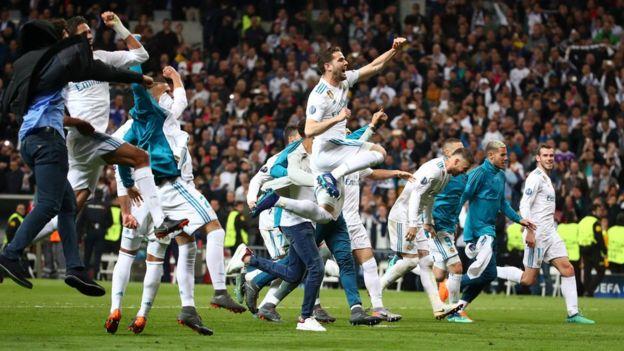 Los jugadores del Real Madrid celebran su pase a la final