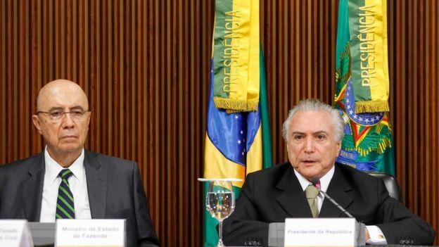 Henrique Meirelles e Temer no anúncio das medidas econômicas
