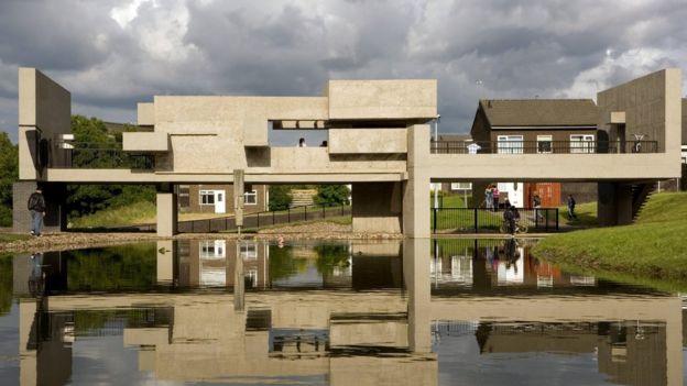 Peterlee's Apollo Pavilion illuminated for anniversary - BBC