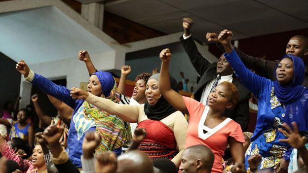 Sesión en el Parlamento de Ruanda.