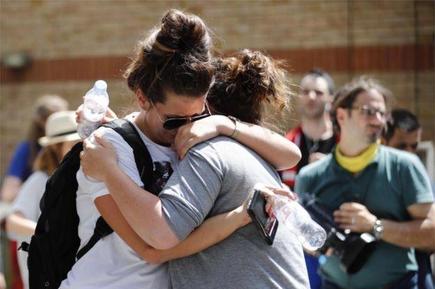 Asciende a 79 los muertos y desaparecidos en fuego en Londres