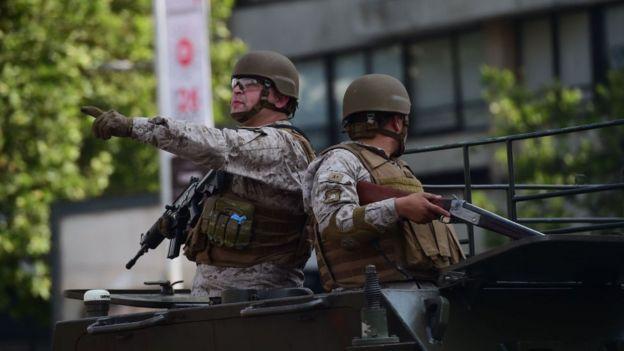 Militares en las calles de Santiago de Chile.