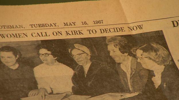 Las mujeres organizaron una conferencia de prensa que encendió el problema