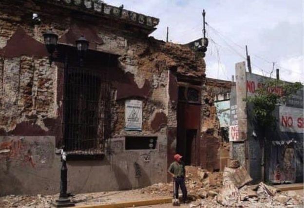 Edificio dañado en Oaxaca