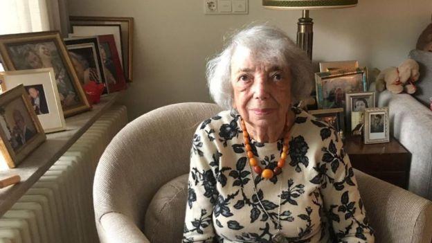 Margot Friedlander, de 97 años, cuyos padres y hermano fueron asesinados durante el Holocausto