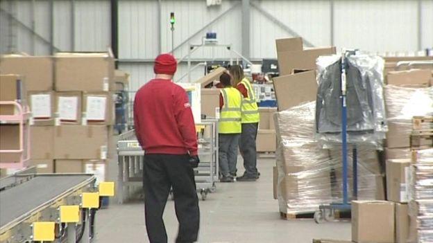 Asos Barnsley warehouse workers hit by 'payroll chaos' - BBC