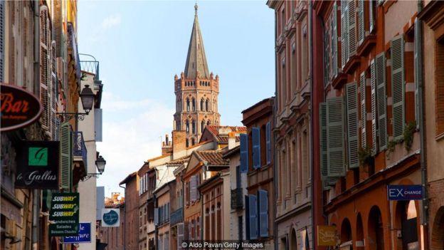 """法國圖盧茲被稱為""""粉紅之城"""",有2000多年的歷史。"""