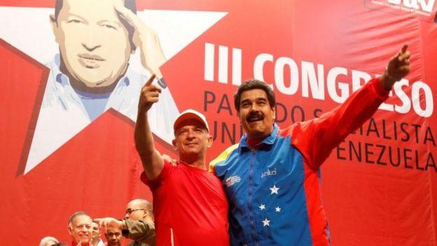 Hugo Carvajal y Hugo Chavez