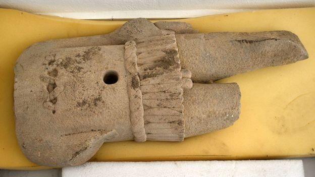 مجسمه های کشف شده در معبد