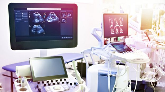 Máquina de ultrasonidos