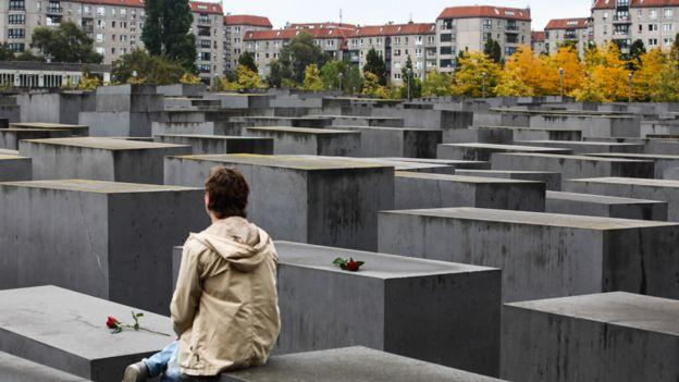 Holocaust Memorial, 25 Sep 19
