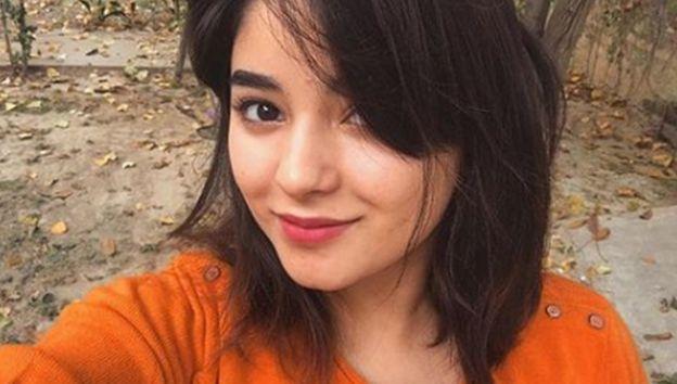 Actress Zaira Wasim: I was molested on flight - BBC News