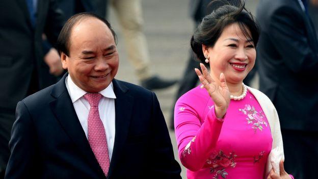 ဗီယက်နမ်ဝန်ကြီးချုပ်နဲ့ ဇနီးဟာ မြန်မာနိုင်ငံကို သုံးရက်ကြာ ချစ်ကြည်ရေးခရီးလာရောက်တာဖြစ်