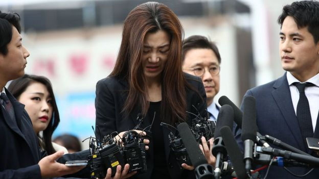 Cho Hyun-min, younger daughter of Korean Air chairman Cho Yang-ho, speaks to the media as she arrives at a police station for questioning on 1 May 2018 in Seoul, South Korea