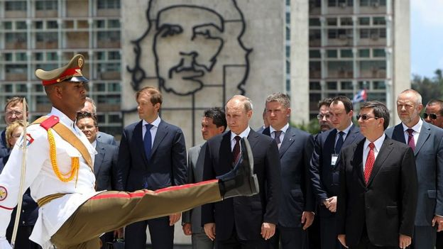 Vladimir Putin en la Plaza José Martí de La Habana.