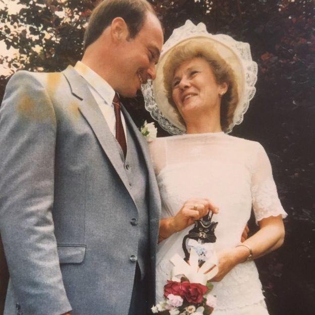 Steve y Jill el día de su boda