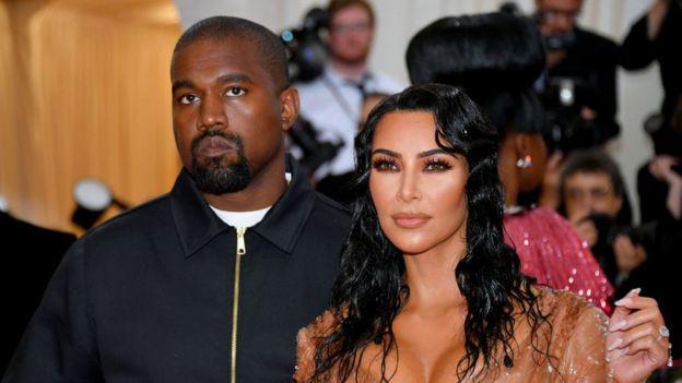Kayne West y Kim Kardashian.