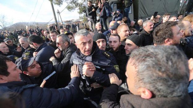 مخالفان رئیس جمهور گرجستان