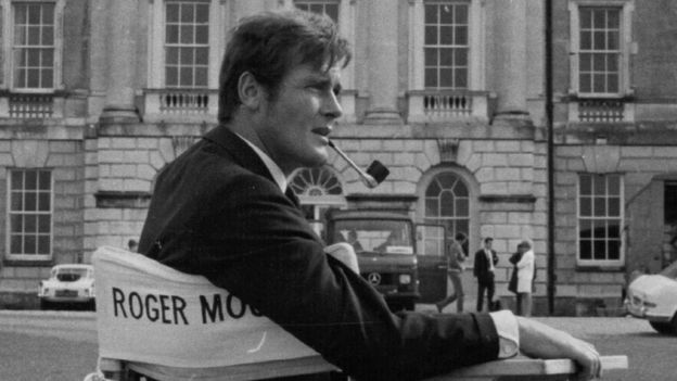 Roger Moore at Woburn Abbey making the film Crossplot.