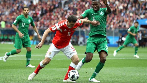 Jugadores de Rusia y Arabia Saudita