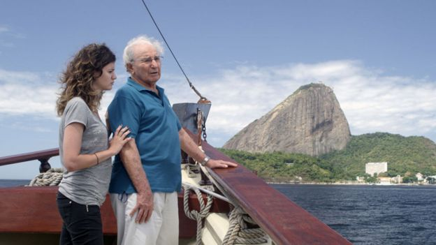 Julio Gartner junto a la presentadora Marina Kagan en el documental