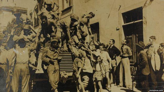 Solodados brasileiros saudados pela população italiana