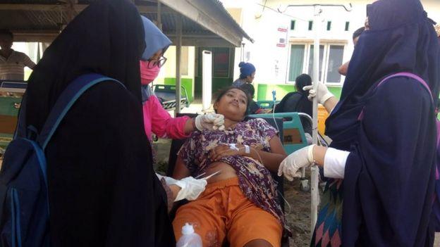 Al menos 384 muertos en Indonesia tras un terremoto y un tsunami