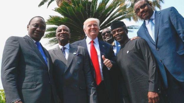 Rais Uhuru Kenyatta kushoto na Donald Trump katikati