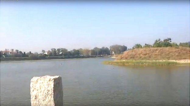 பெங்களூருக்கு அருகில் ஏரியை தூர்வாரி சோலைவனமாகிய கிராமம்