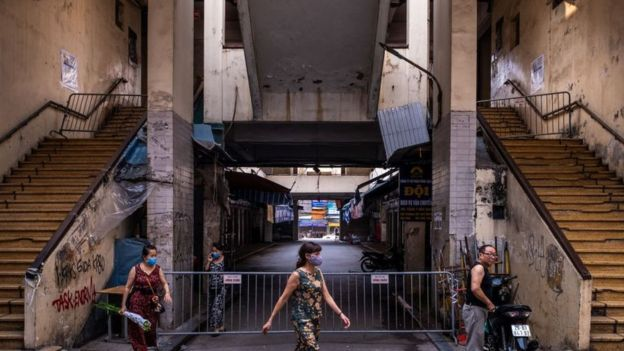 Chợ Đồng Xuân, Hà Nội đang đóng cửa