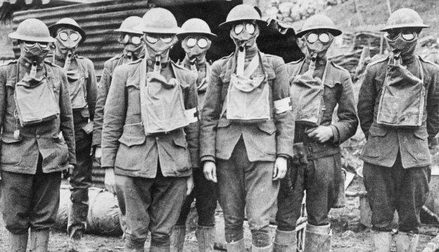 American soldiers in gas masks