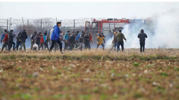 مهاجرون على حدود اليونان