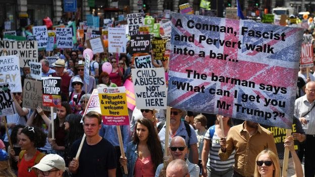 جانب من المظاهرات ضد ترامب في لندن